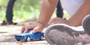 Autózás és játék