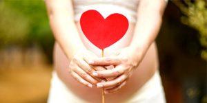 Autóvezetési tippek terhes nőknek
